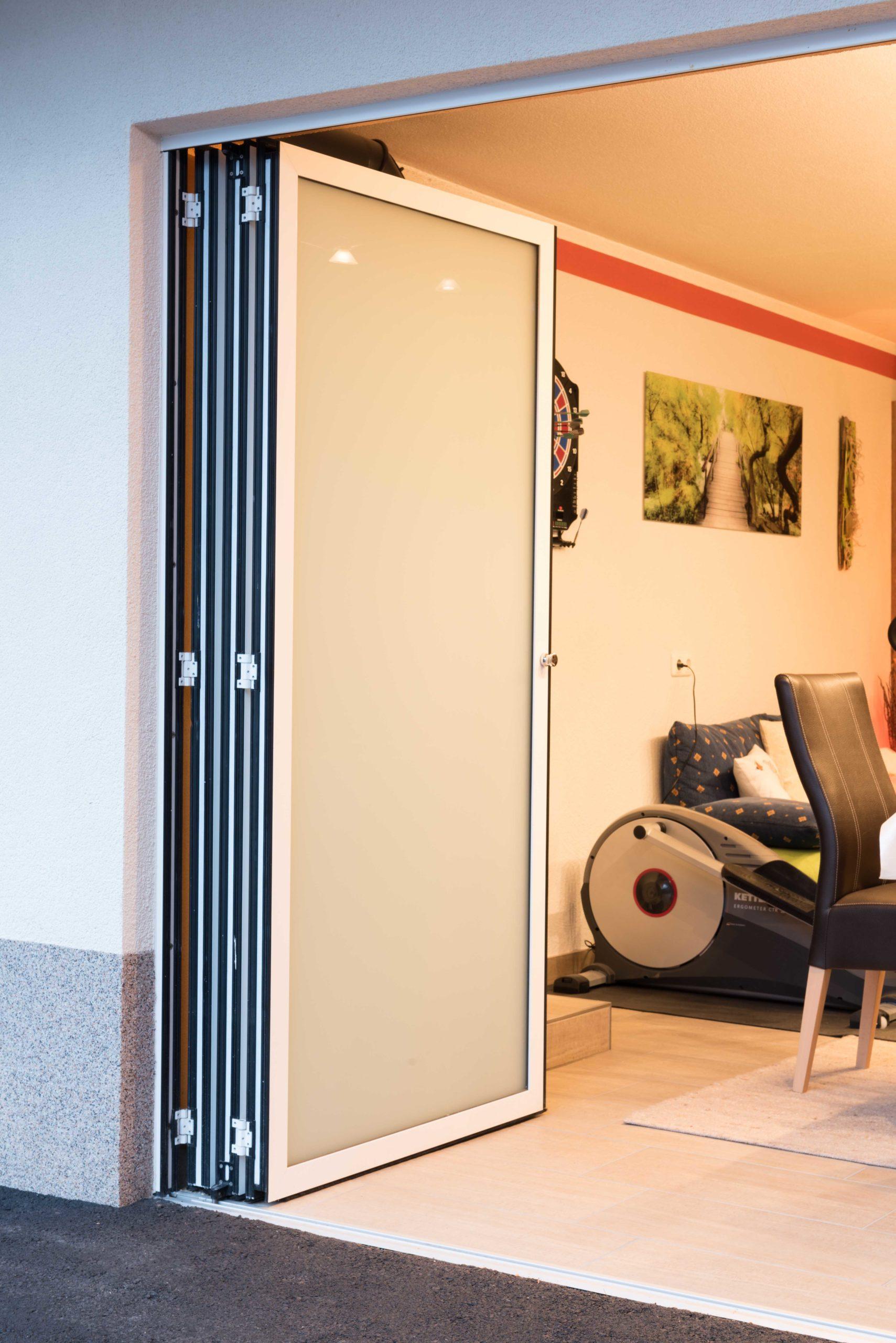 B&W Glasbau Sunflex Systeme Isolierglas Windschutz Verglasung Balkonverglasung Balkon