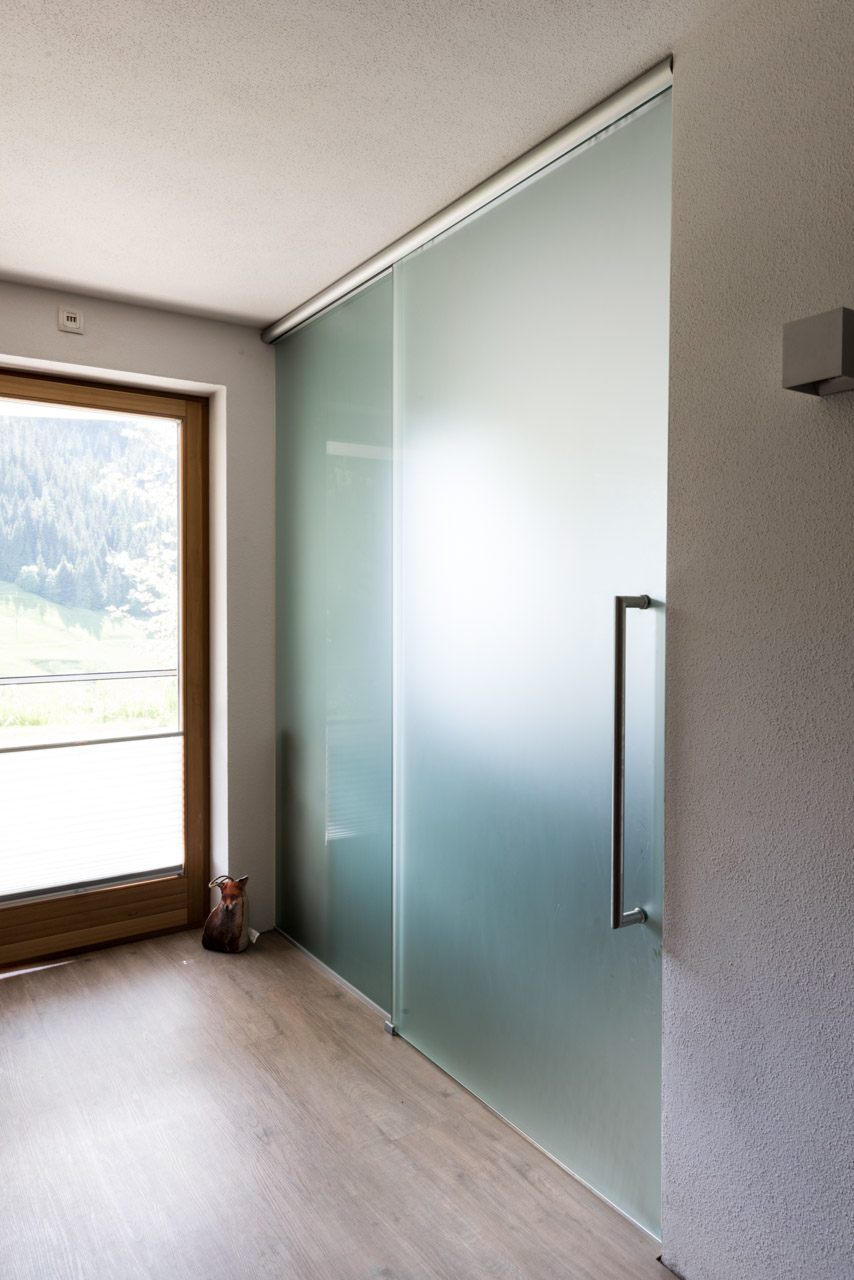 B&W Glasbau Verglasung Glastür Schiebetür Trennelement