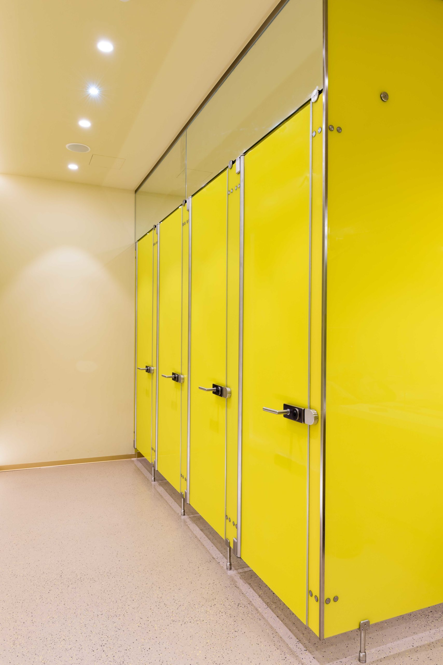 B&W Glasbau Verglasung Trennwand Raumteiler Glaswand Glastür