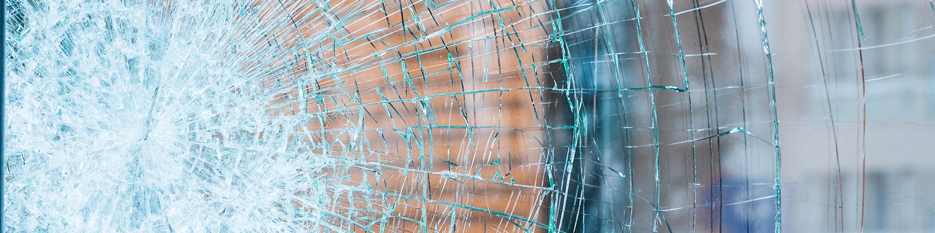 B&W Glasbau Reparatur Glasreparatur Montage Schadensfall Lohnverglasung
