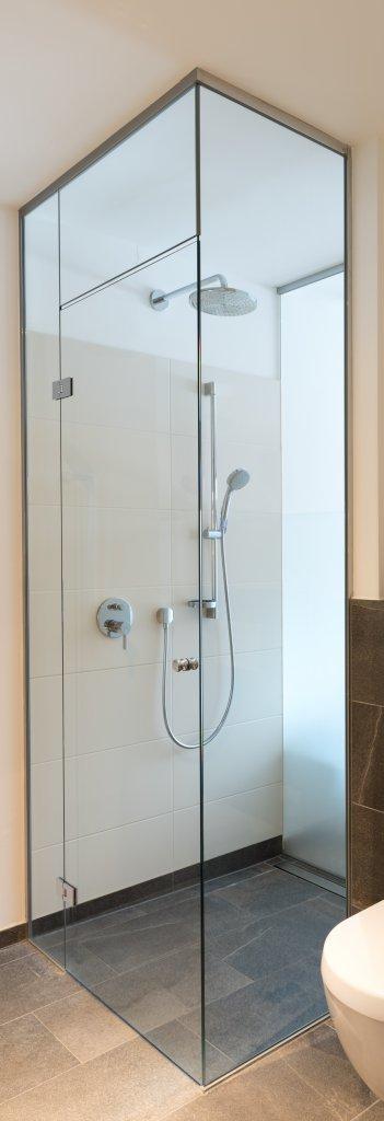B&W Glasbau Duschverglasung Dusche Bad Spritzschutz