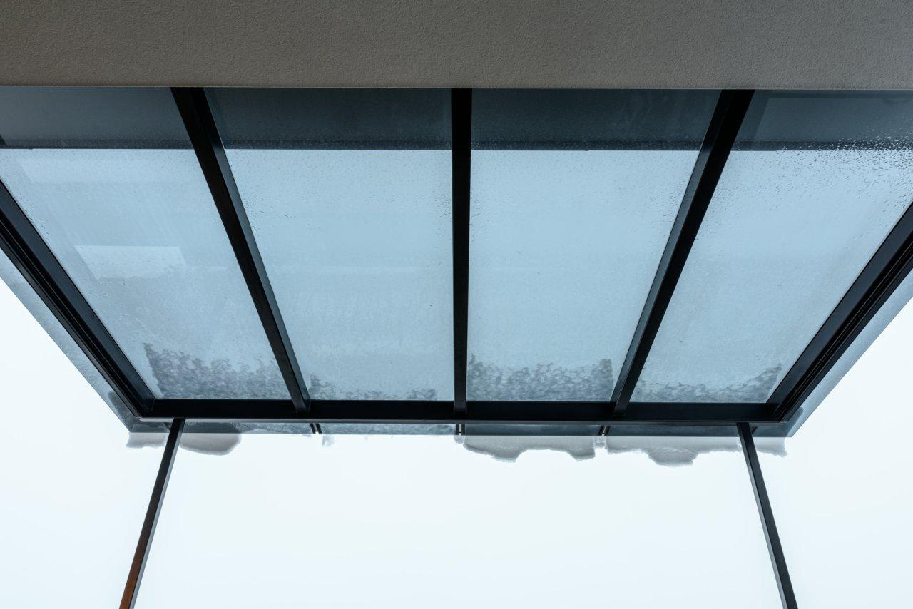B&W Glasbau Glasdach Dach Teilvorgespanntenglas