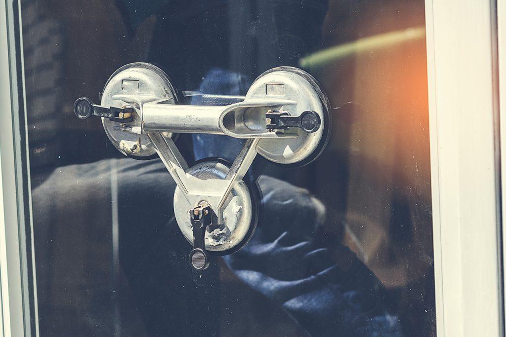 B&W Glasbau Glasreparatur Reparatur Schadensfall Lohnverglasung Montage