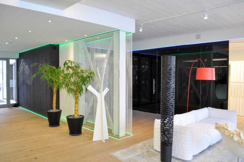 B&W Glasbau Glaswand Raumteiler Trennwand