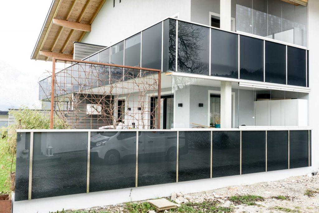 B&W Glasbau Sunflex Systeme Isolierglas Windschutz Verglasung Balkon Balkonverglasung