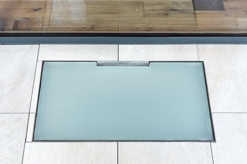 B&W Glasbau Verglasung Abdeckung Glas