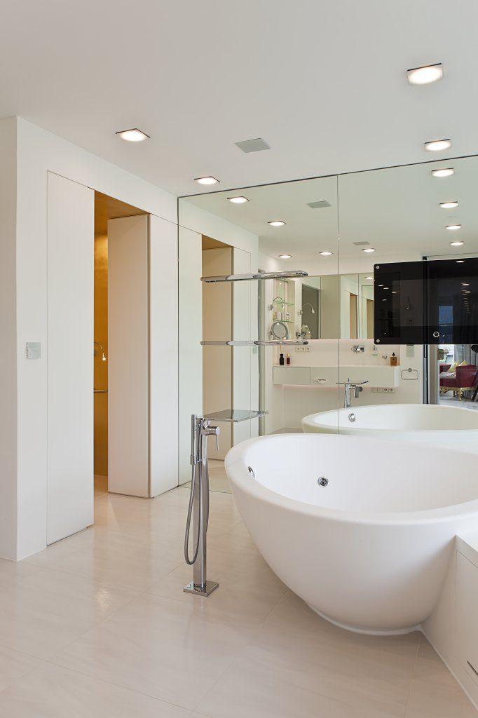 B&W Glasbau Verglasung Bad Spiegel Spiegelwand