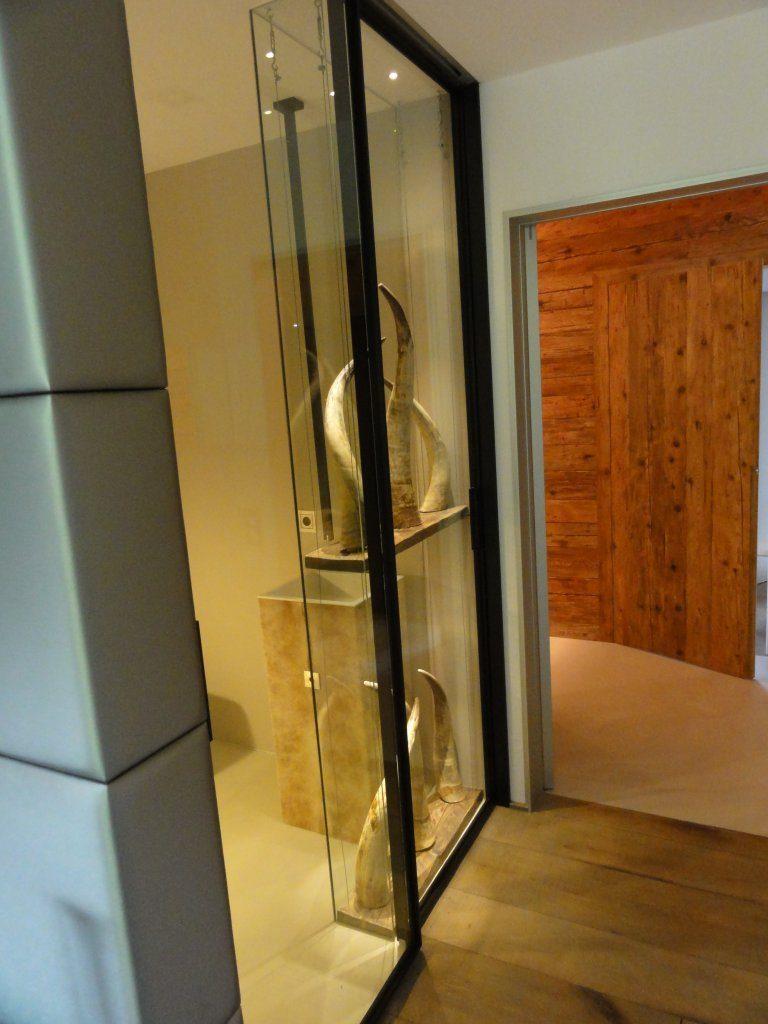 B&W Glasbau Verglasung Vitrine Regal Trennwand