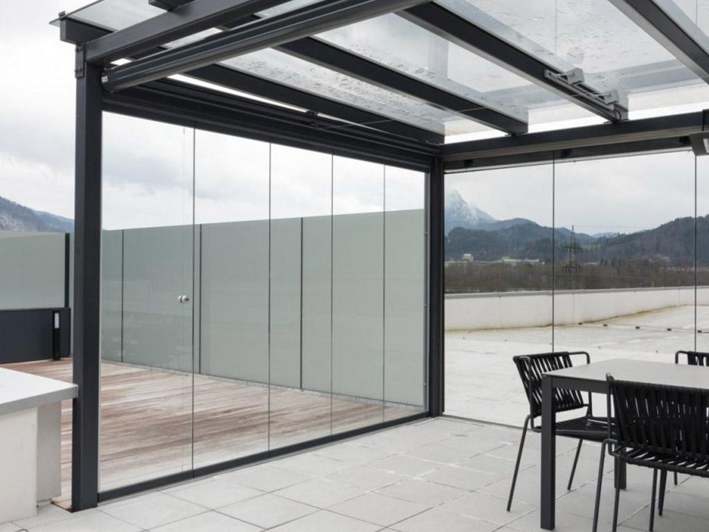 B&W Glasbau Sunflex Systeme Isolierglas Windschutz Verglasung Wintergarten Balkon Raumteiler Trennwand