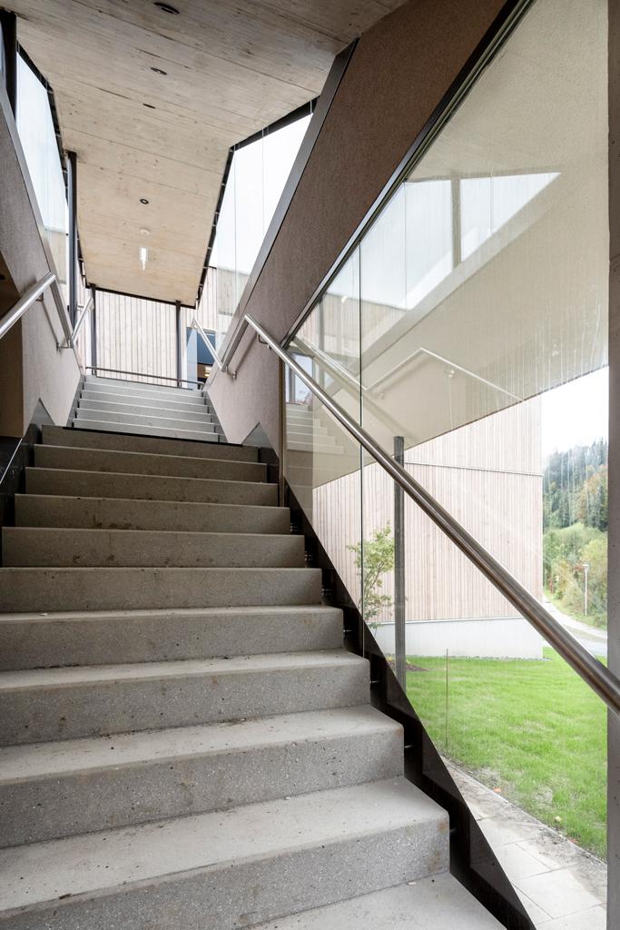 B&W Glasbau Kirchbichl Verglasung Geländer Brüstung Sicherheit Treppe Absturzsicherung