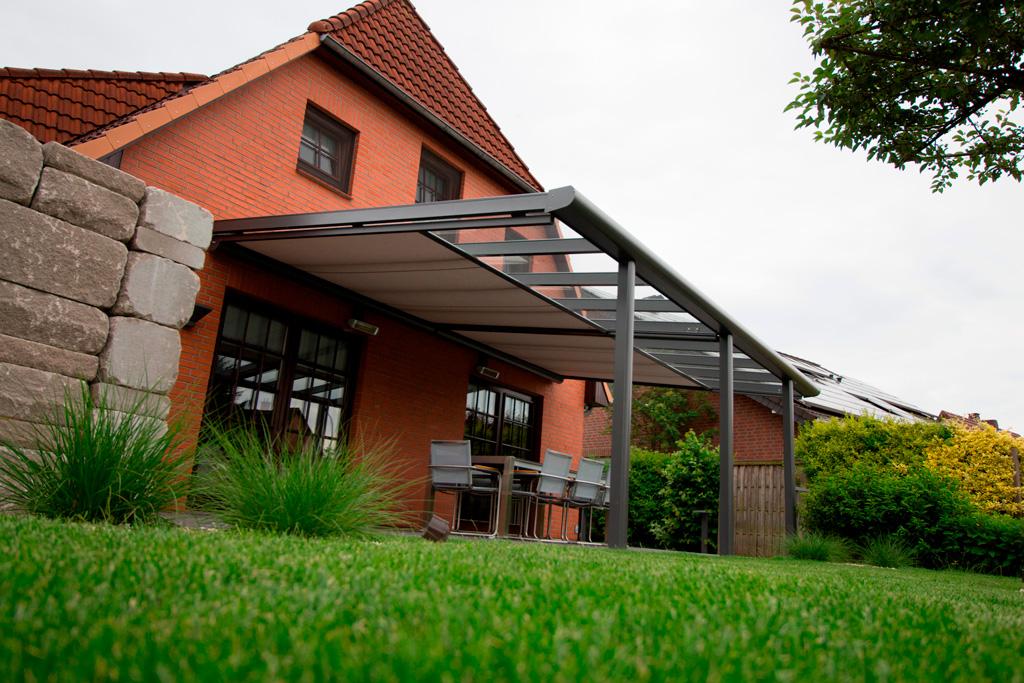 B&W Glasbau Kirchbichl Glasdach Alproda Terrassenüberdachung Sonnenschutz Wetterschutz