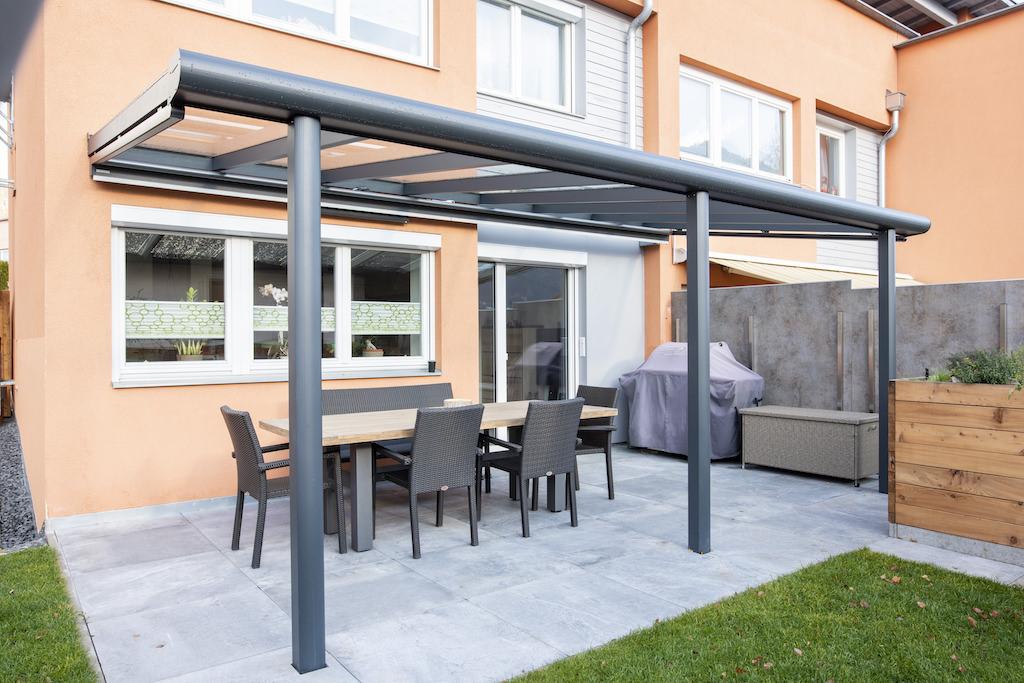 B&W Glasbau Kirchbichl Glasdach Sicherheit Teilvorgespanntenglas Terrassenüberdachung