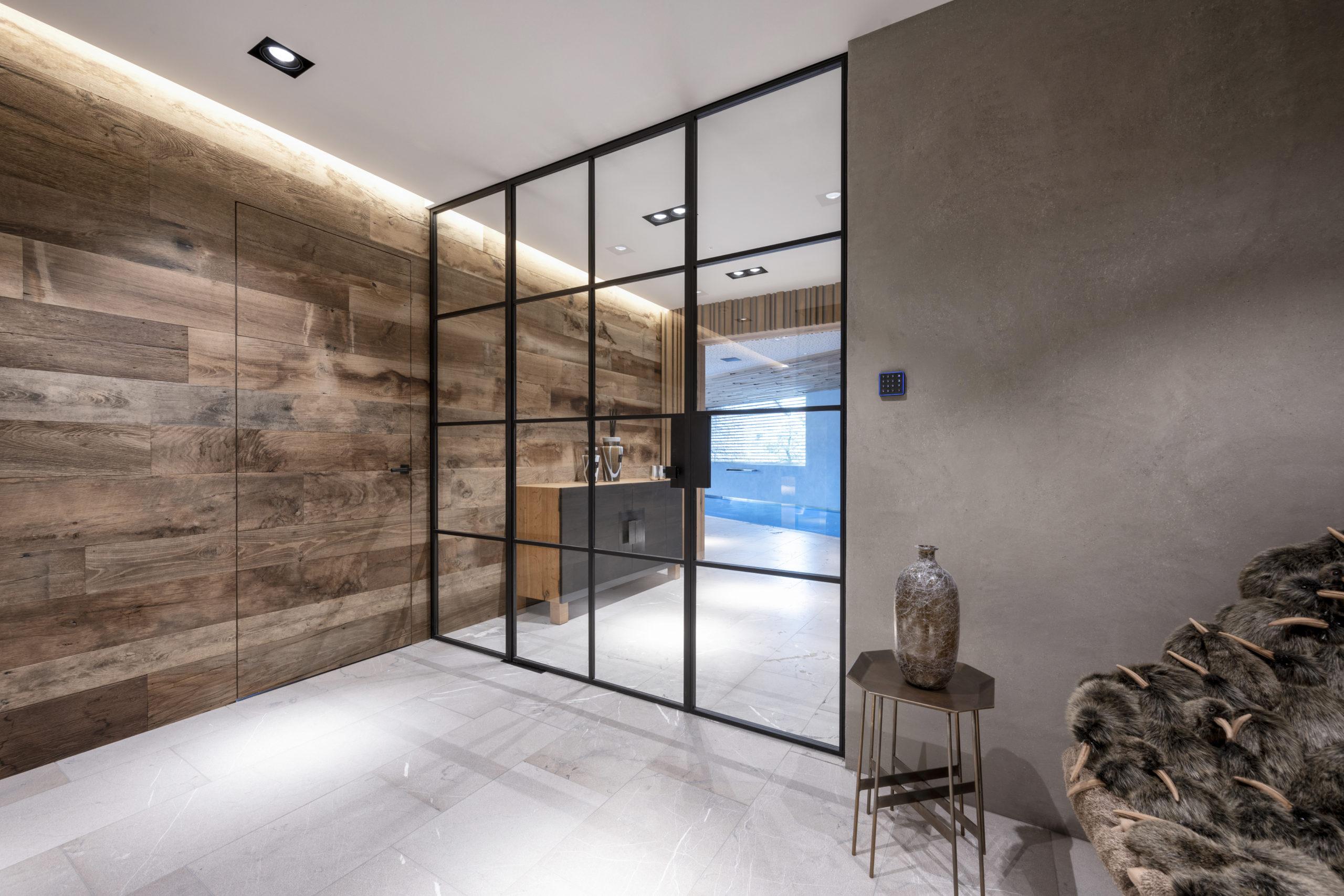 B&W Glasbau Kirchbichl Verglasung Glastür ESG Einscheibensicherheitsglas Ganzglasanlage