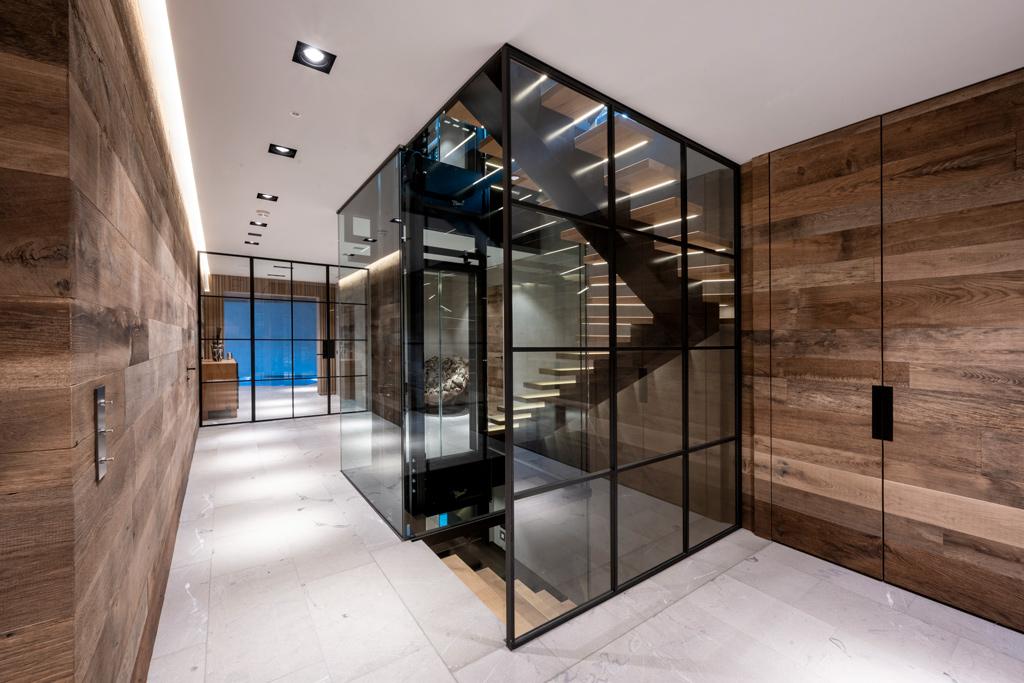 B&W Glasbau Kirchbichl Verglasung Treppe Geländer Ganzglasanlage Trennwand