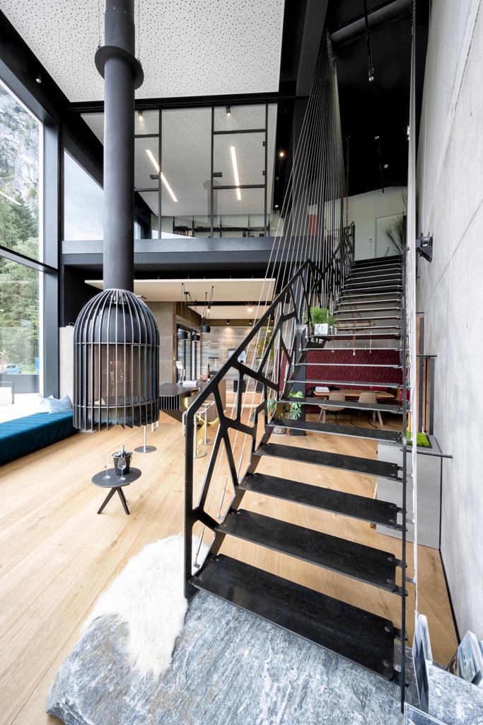 B&W Glasbau Kirchbichl Verglasung Treppe Stiege Brüstung Geländer